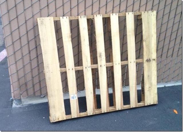 Haz tu propio jard n vertical con un viejo palet el blog for Como se construye un jardin vertical